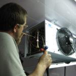 Как заказать ремонт холодильных камер в Москве